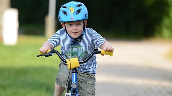 Unten ohne auf dem fahrrad