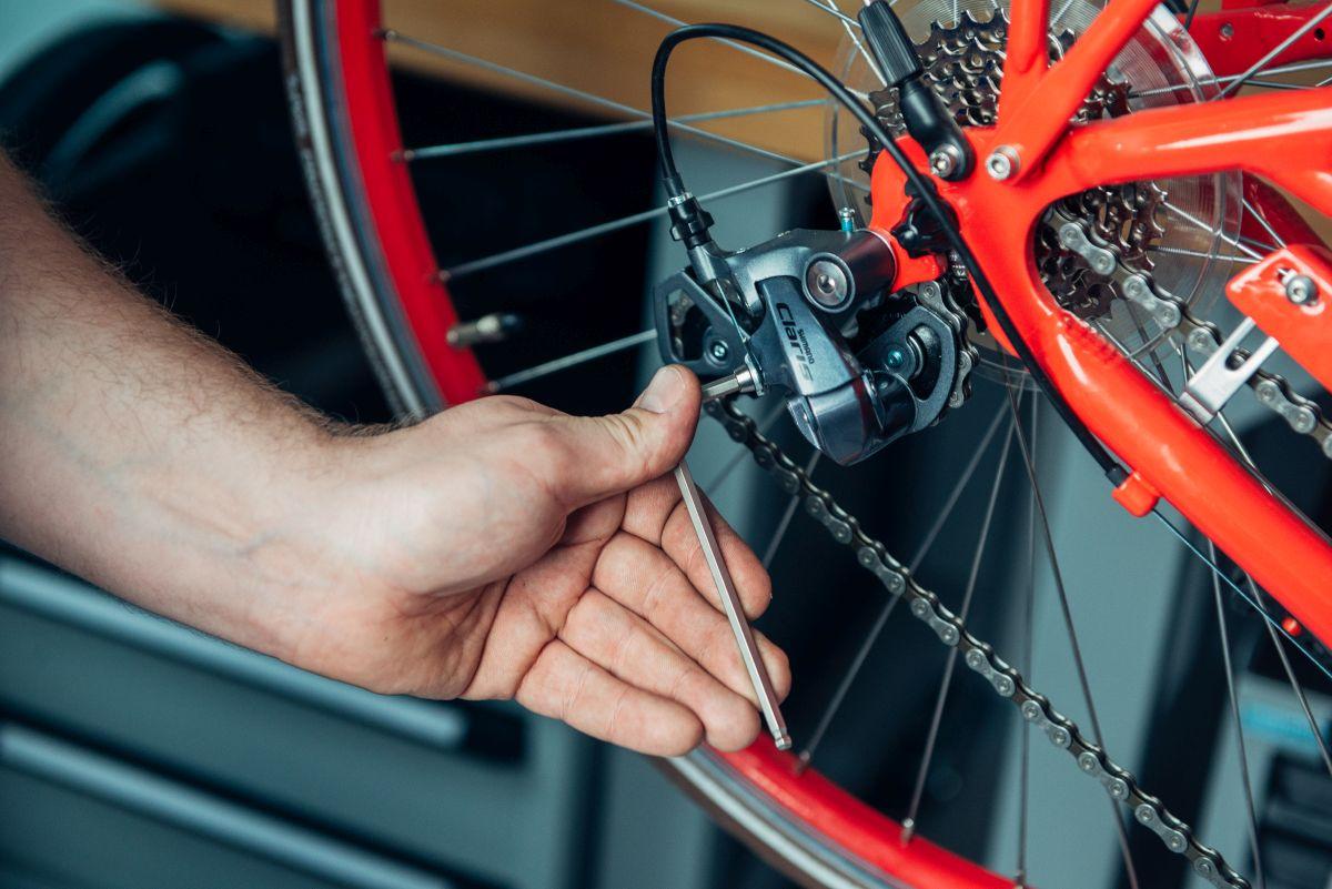 Gerissenen Schaltzug am Fahrrad wechseln so klappt die